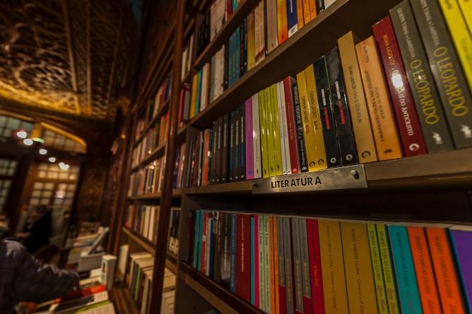 english bookstores porto