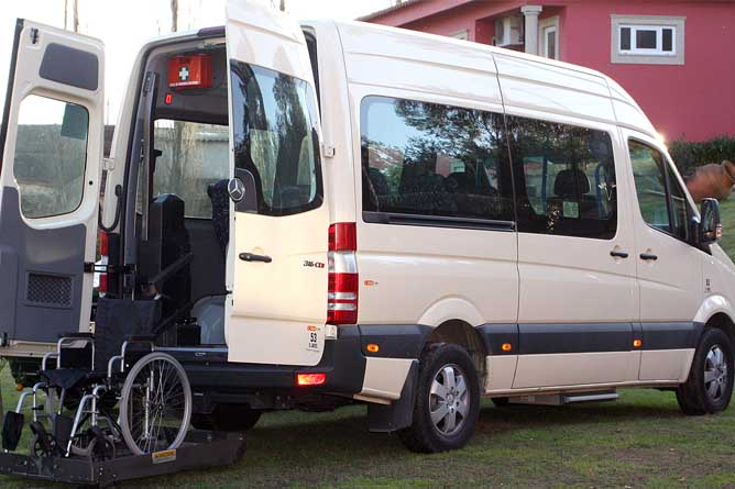 disability transport porto airport
