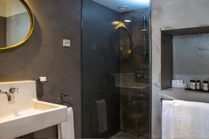 porto as 1829 hotel bathroom