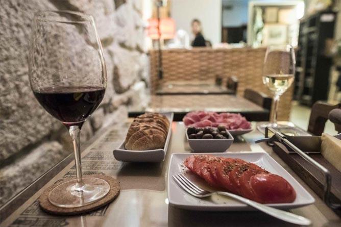 what to do ribeira wine quay bar