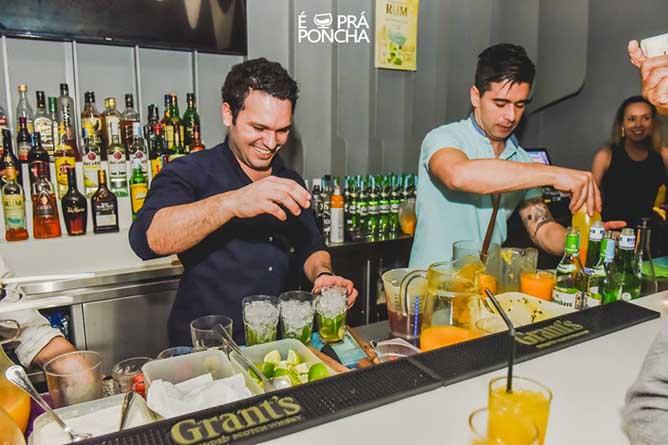 best bars porto bartender