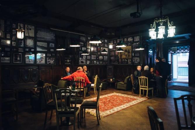 best bars sports porto