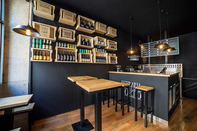 letraria craft beer bar tables porto