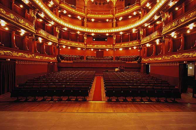 porto or lisbon best theaters
