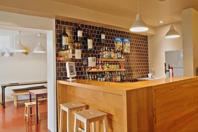 bar porto spot hostel