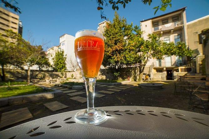 letraria beer garden porto