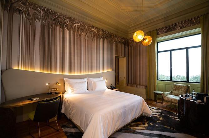 vila-foz-hotel-spa-double-bedroom