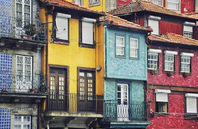 colorful houses ribeira neighborhood porto
