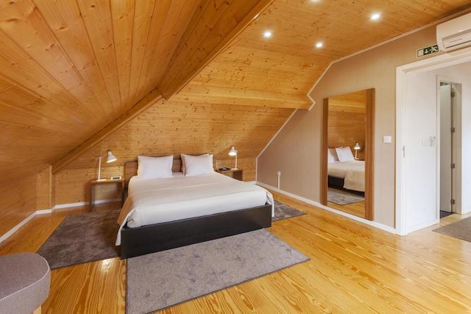 double bedroom bo fernandes tomas apartaments porto