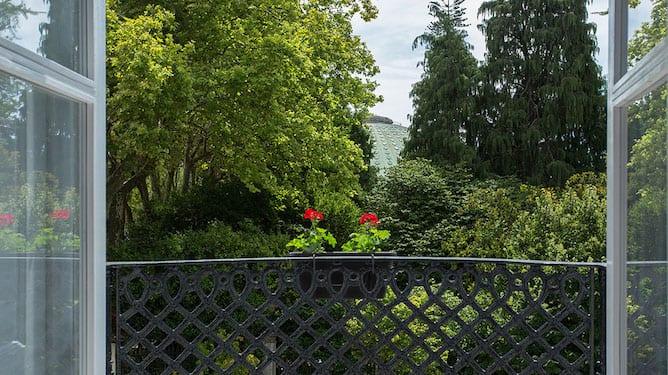 view crystal palace gardens porto