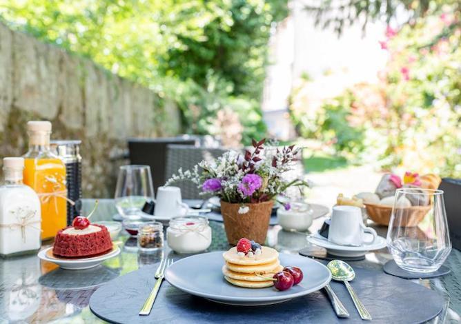 pancakes breakfast garden