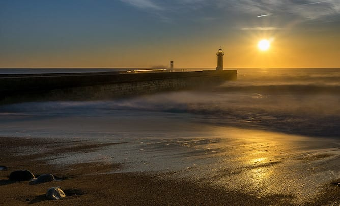 sunset felgueiras lighthouse best places propose in porto