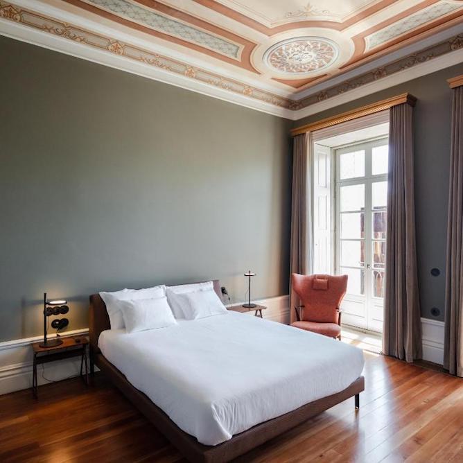 vintage bedroom menina colina boutique hotel porto