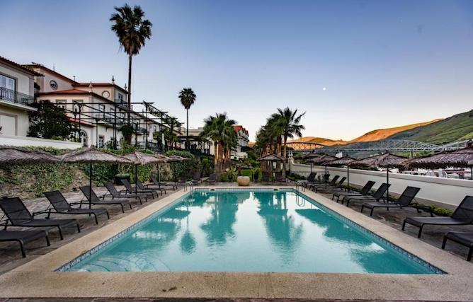 vintage house hotel pinhao piscina
