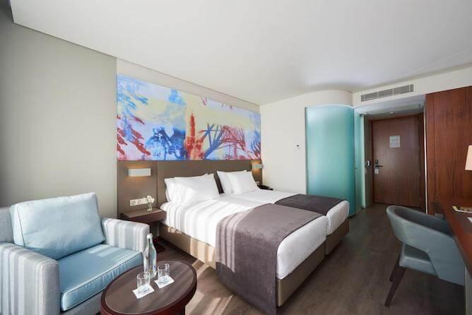 double bedroom eurostars heroismo hotel porto