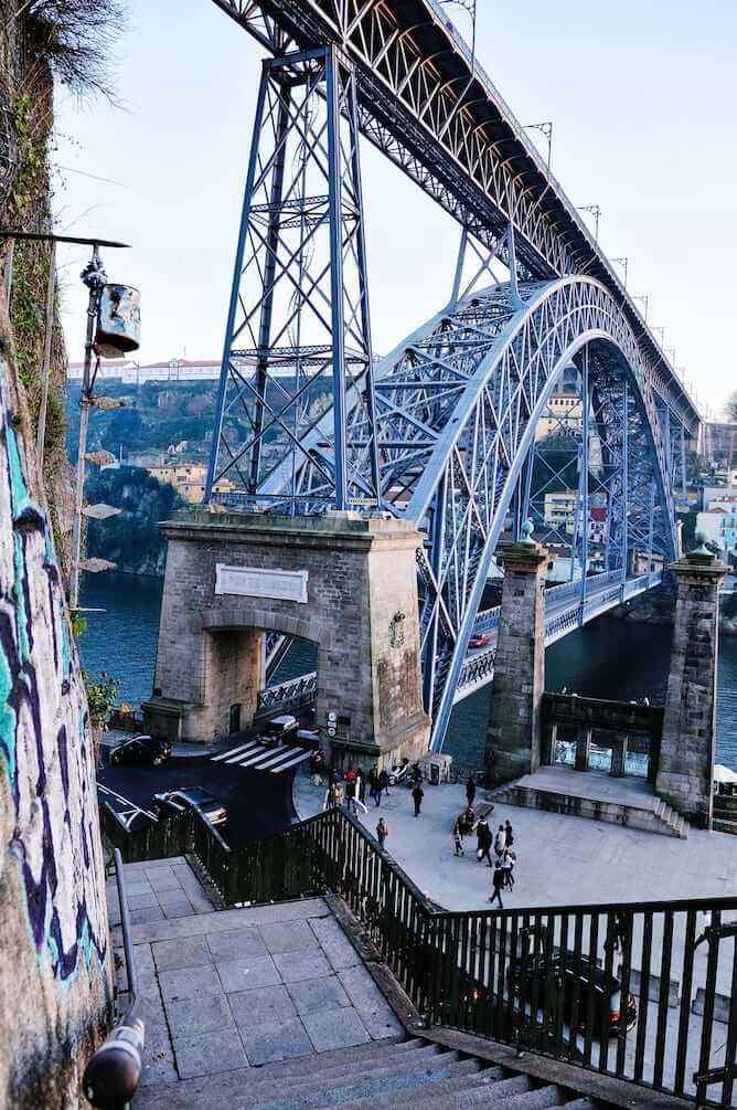 escadas codecal porto ponte luiz i