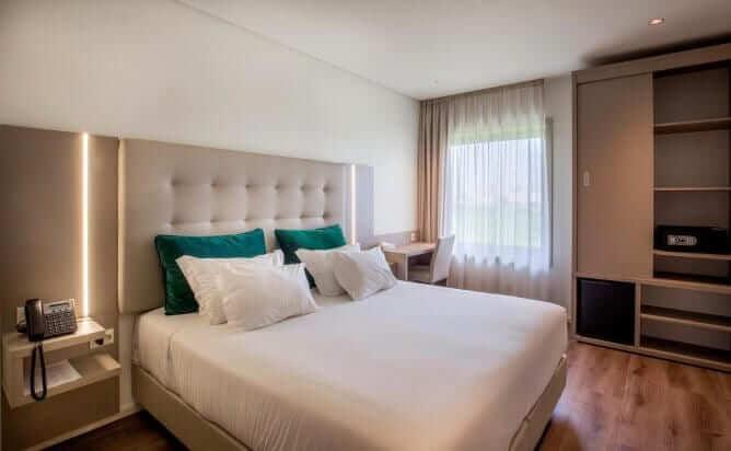 quarto duplo hotel perto aeroporto porto