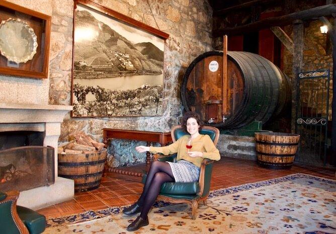 sara riobom beber vinho porto caves croft