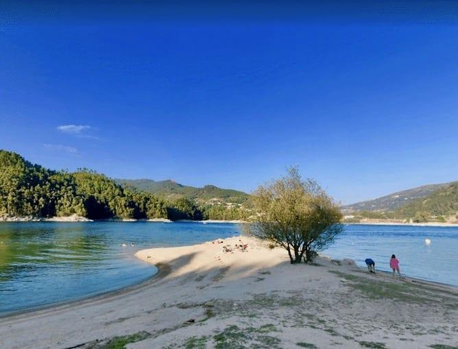 barca river beach