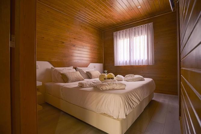 cozy bedroom quinta farejal