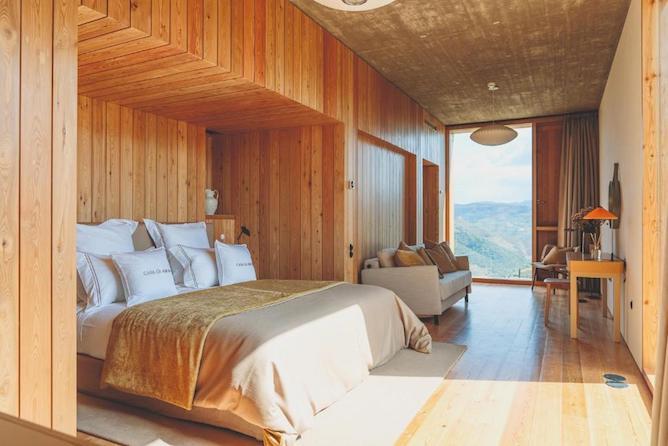 double bedroom casa arco luxury hotel douro valley