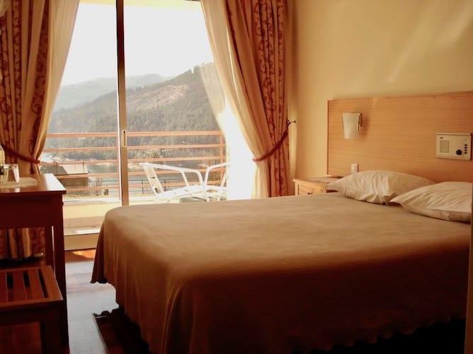 double bedroom hotel lagoa azul geres