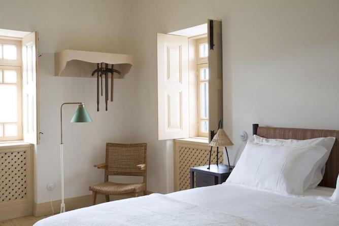 double bedroom quinta corte hotels douro valley