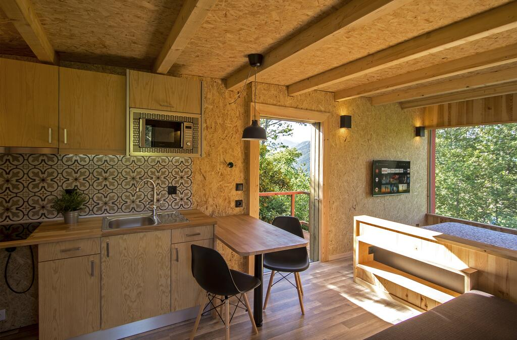kitchen geres green view