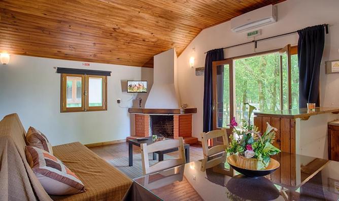 living room bungalows termas melgaco