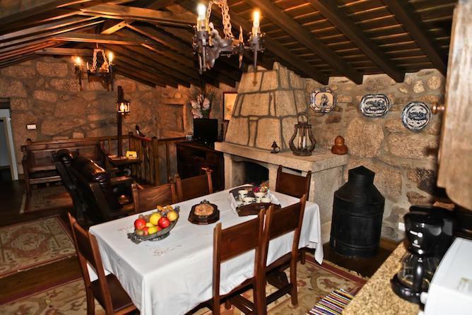 sala jantar casas cavaleiro eira hoteis geres