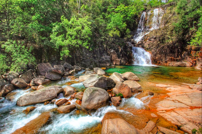 tahiti waterfalls geres