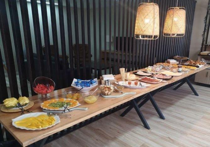 pequeno almoco buffet paraiso douro