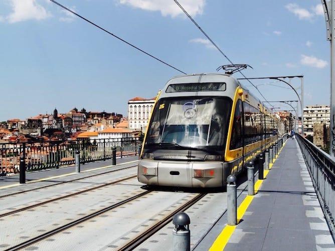 public transports porto subway