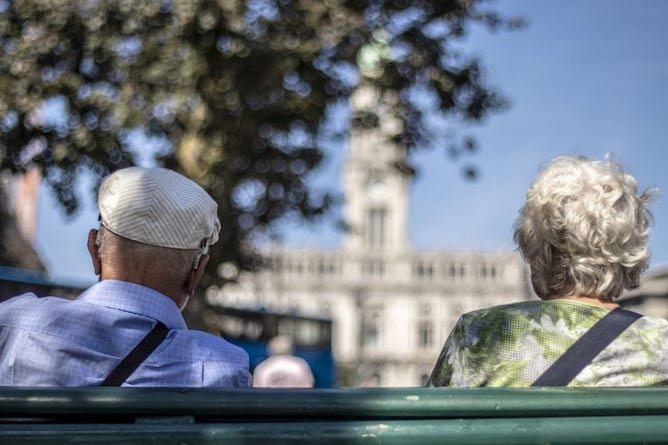 retired couple porto portugal