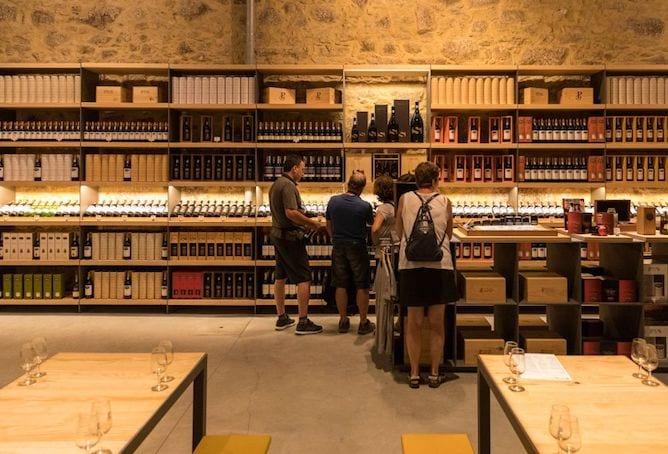 loja vinhos sala provas pocas caves vinho porto