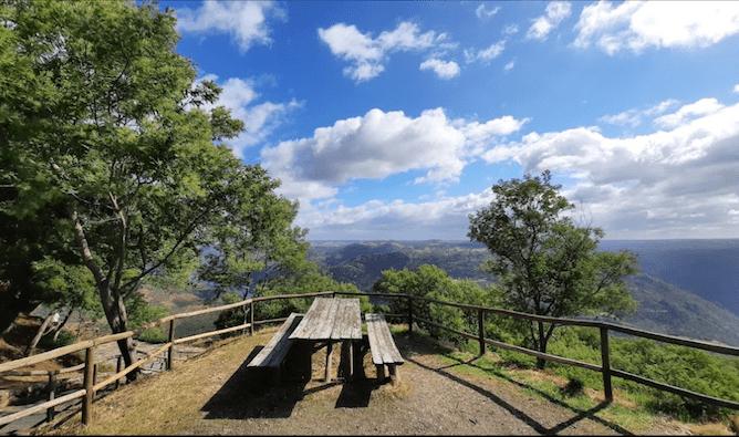picnic tables douro valley